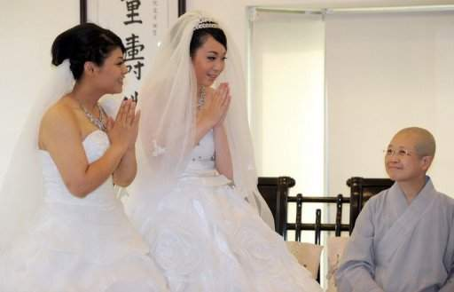 Lesbian couple to take vows in nation?s first public Buddhist same-sex union